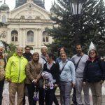 Fotografia skupiny účastníkov medzinárodného semináru Let's get cross! pred Štátnym divadlom v Košiciach.