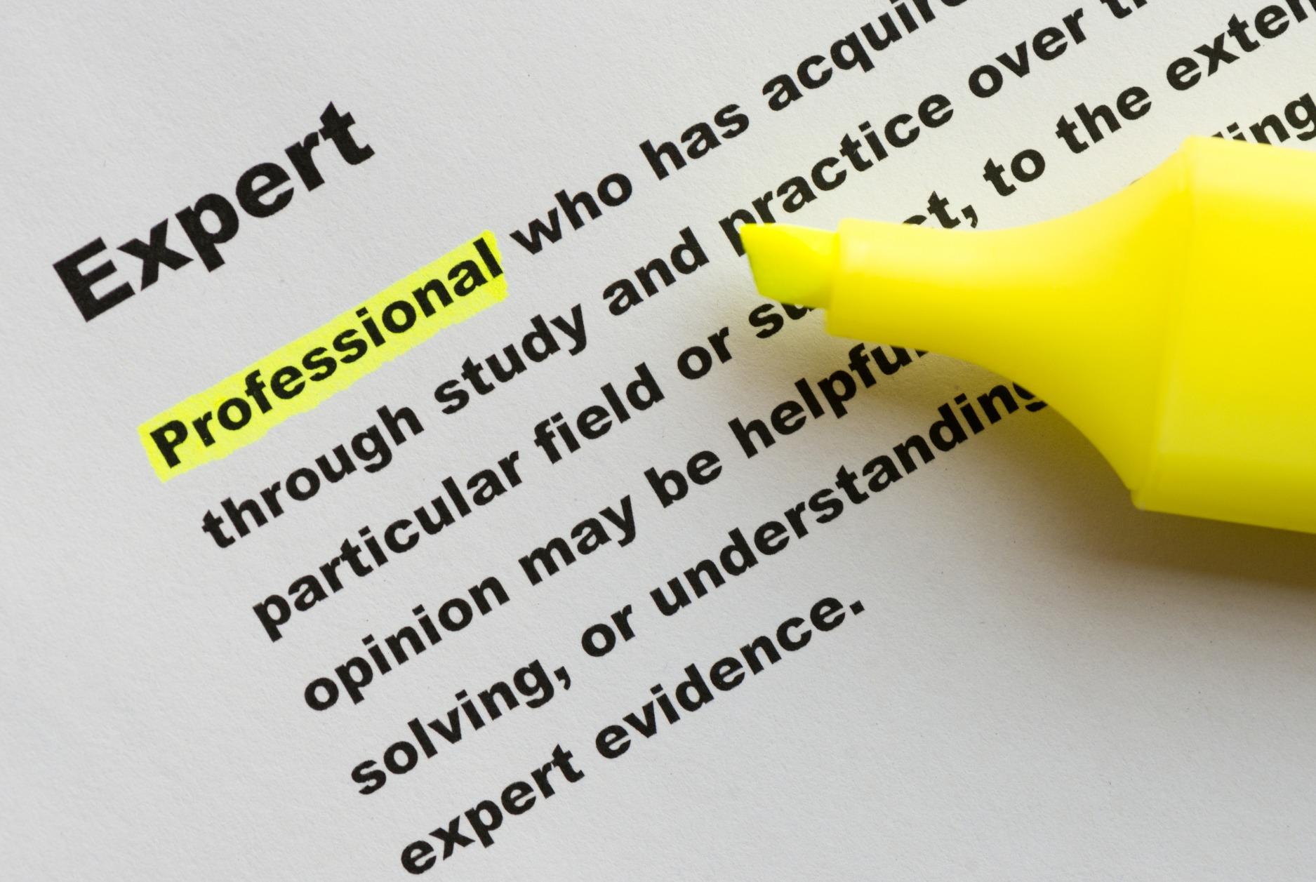Definícia pojmu expert so zvýrazneným slovom profesionál.