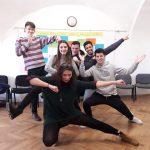 Fotografia skupinky pózujúcich účastníkov projektu.